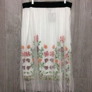 NWT White Floral Net Skirt PLUS SIZE